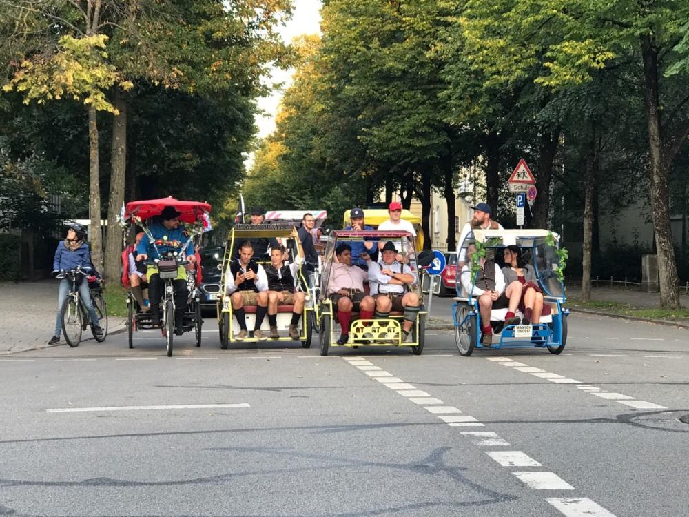 Die Münchner Rikschafahrer/innen | Oktoberfest Shuttle