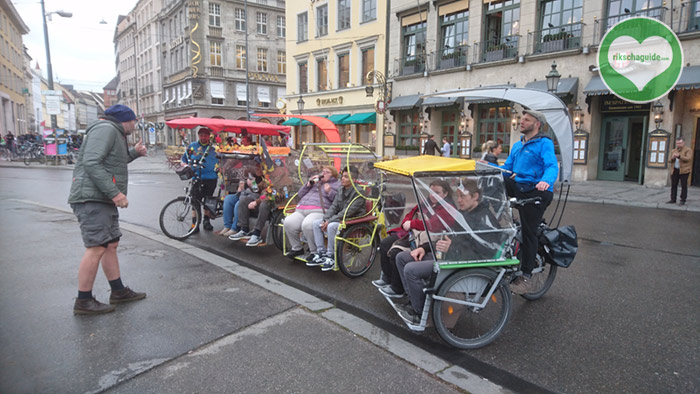 rikschaguide.com | Die Muenchner Rikschafahrer/-innen | Stadtrundfahrt mit Stadtführung für Maria und ihre Küchencrew