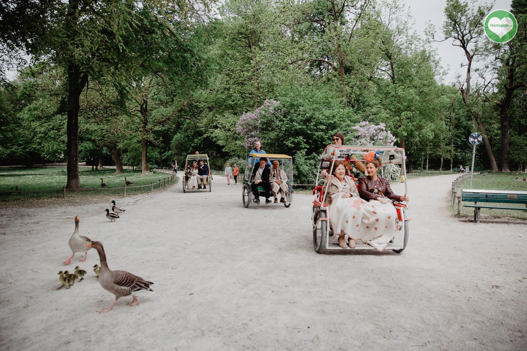 rikschaguide.com | Die Münchner Rikschafahrer/-innen | Beschauliche Hochzeitsfahrt durch München